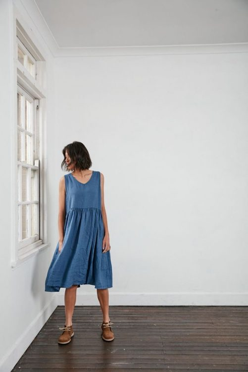 Fun Italian linen sleeveless dress with a V-neck, gathered above the waist dress-101-phoebe-01-blue-denim