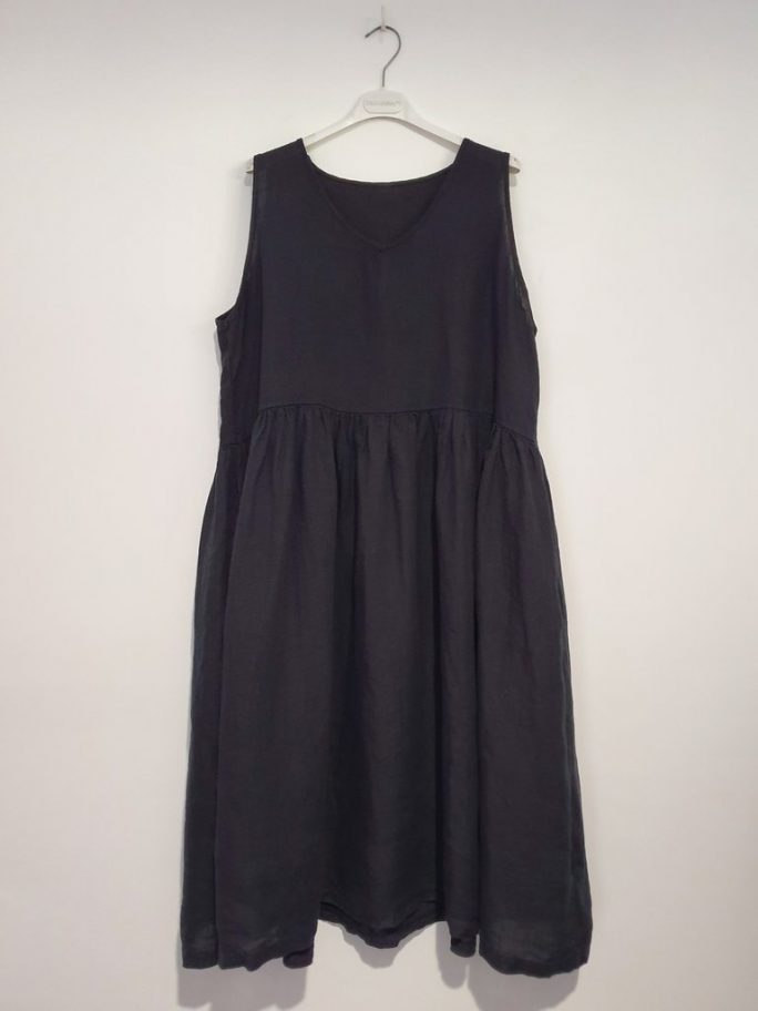 Fun Italian linen sleeveless dress with a V-neck, gathered above the waist dress-101-phoebe-02-french-navy