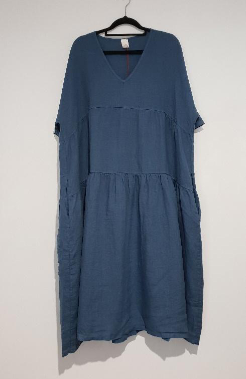 The Brie Italian linen dress with V neck is the simplest yet most stylish summer dress just right for every occasion – flattering, feminine. dress-102-brie-05-blue