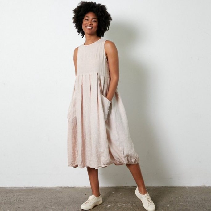 Fun Italian linen sleeveless dress with a round neck, gathered above the waist. dress-105-india-01-pink