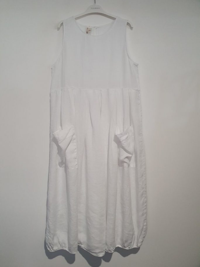 Fun Italian linen sleeveless dress with a round neck, gathered above the waist. dress-105-india-03-white