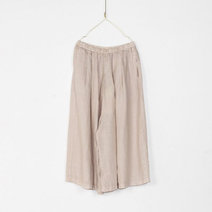 Stunning Italian Linen Culottes in the softest linen falling to look like a skirt. pants-101-carrie-07-natural