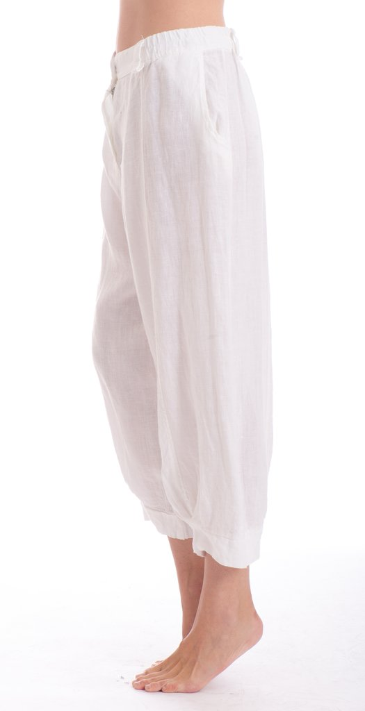 The Flora Italian linen pant is a great 7/8 length or ankle length perfect with sandals or thongs and to dress them up stilettos. pants-103-flora-01-white