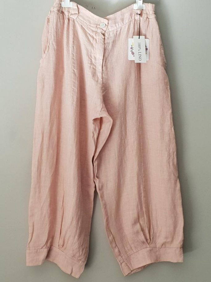 The Flora Italian linen pant is a great 7/8 length or ankle length perfect with sandals or thongs and to dress them up stilettos. pants-103-flora-04-pink