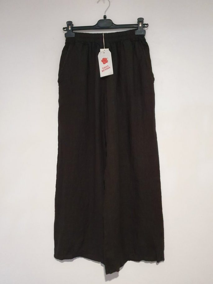 The classic Italian linen palazzo pant with an elastic waist falling to wider longer legs - suit everyone from the short body shape to the tall. pants-104-olivia-02-black