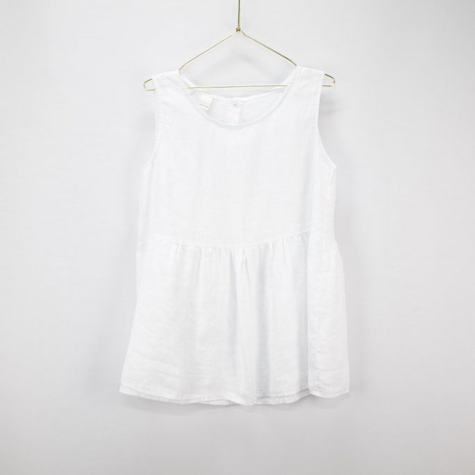 This Italian linen summer top is casual yet elegant fits most and suits every age. top-102-jilly-01-white