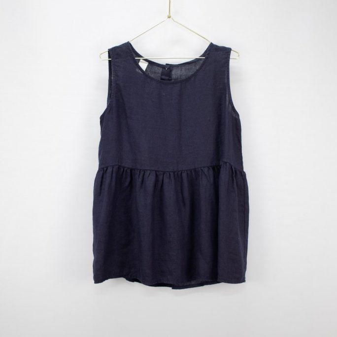 This Italian linen summer top is casual yet elegant fits most and suits every age. top-102-jilly-04-navy