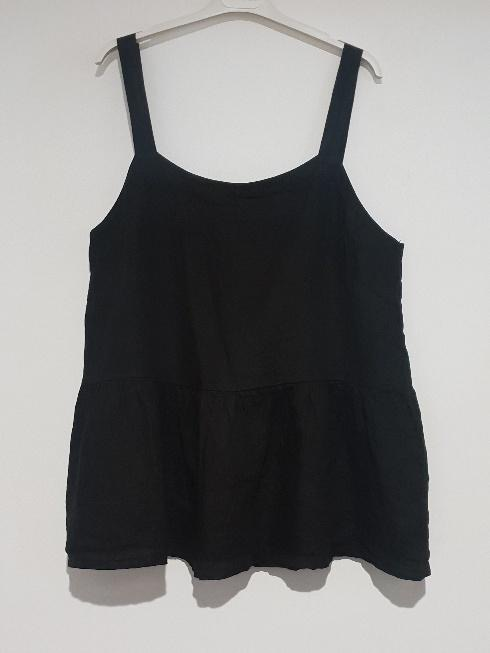 A strappy Italian linen top just perfect for the hottest of days. top-109-ivy-04-black