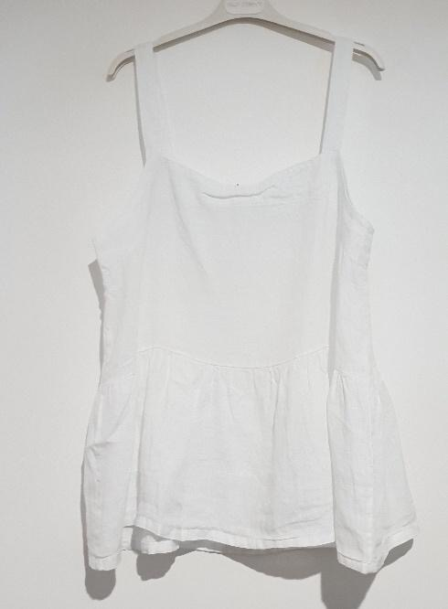 A strappy Italian linen top just perfect for the hottest of days. top-109-ivy-06-white